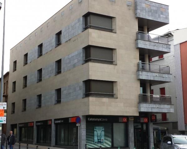 Edifici Plurifamiliar de 3 Habitatges, i Planta Baixa Comercial 1